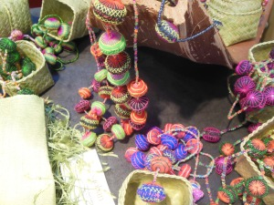 Seidenschmuck aus Laos - von Saoban.